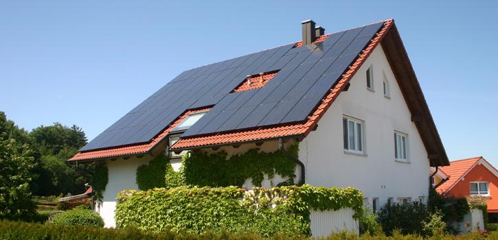solarstromanlage das eigene kraftwerk auf dem dach. Black Bedroom Furniture Sets. Home Design Ideas