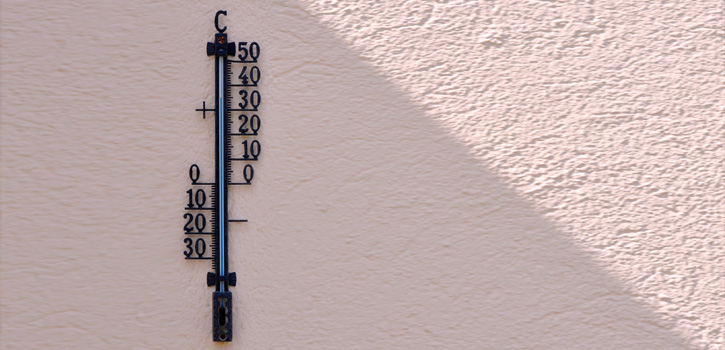 Hohe Temperaturen auf dem Thermometer